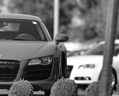 Audi_R8side