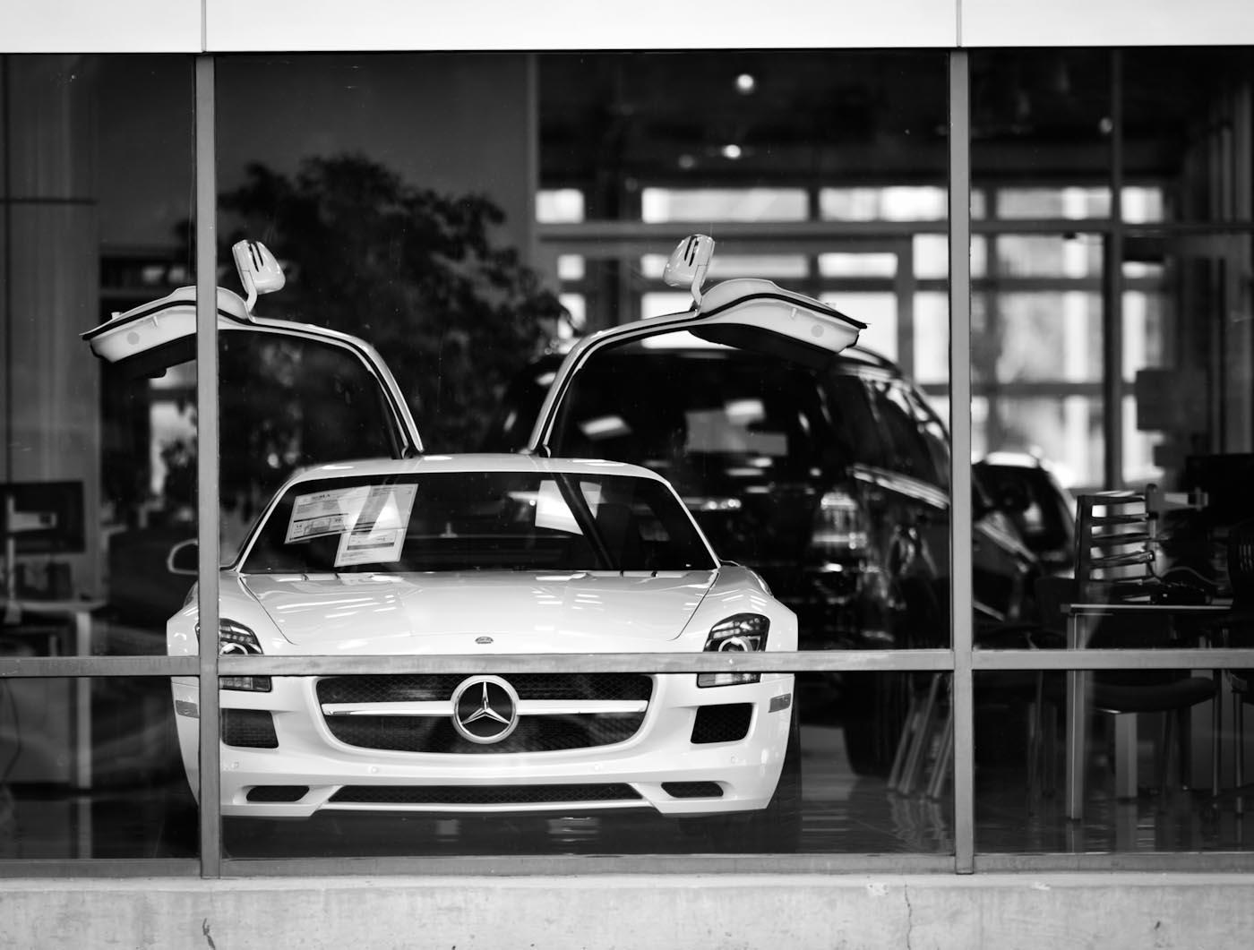 Mercedes_SLS